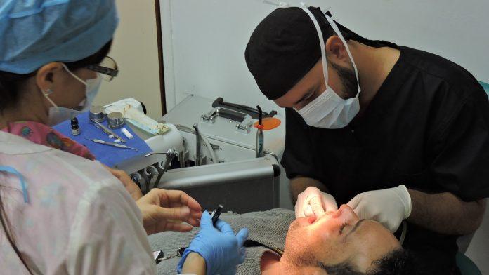 Pacientes prefieren perder un diente que pagar un tratamiento