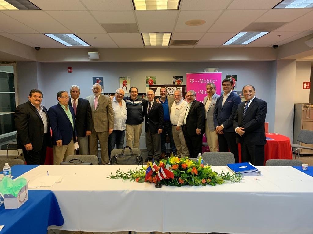Puello es reelegido comisionado de la Confederación de Béisbol del Caribe