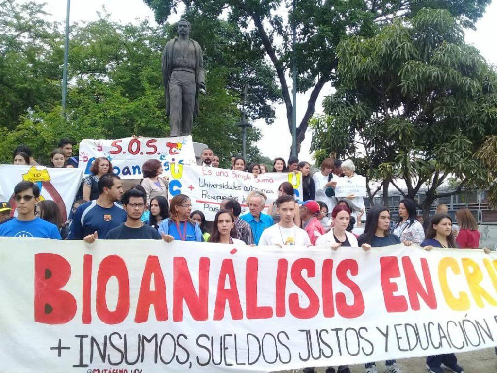 Bionalistas: Falta de insumos y médicos nos tiene en paro forzado
