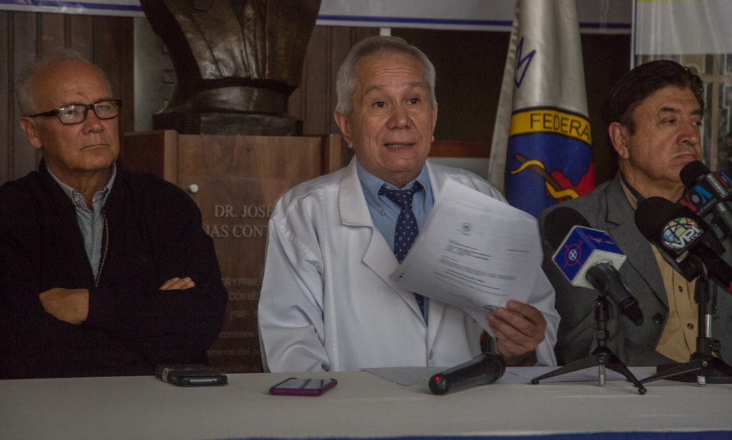 Presidente de la Federación Médica: Es irresponsable recomendar gotas contra la COVID-19