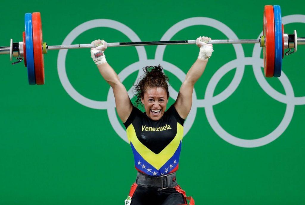 Siete venezolanos en franja de clasificación olímpica de las pesas
