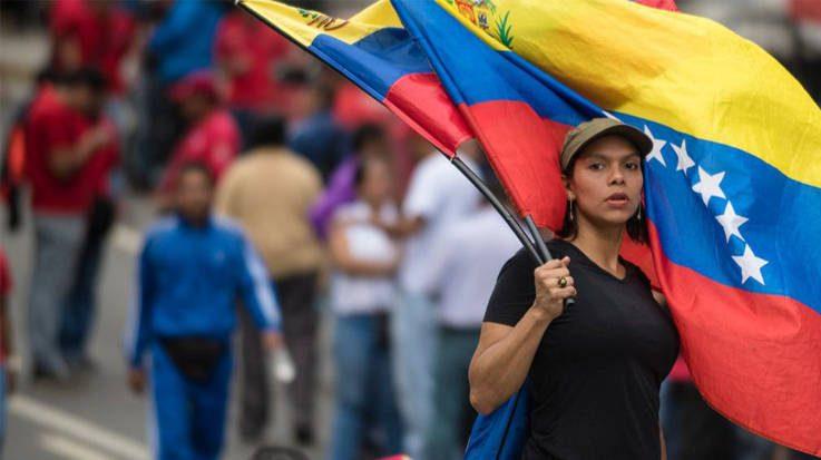 Día de la Juventud en Venezuela: Los que emigran y los que se quedan esperanzados