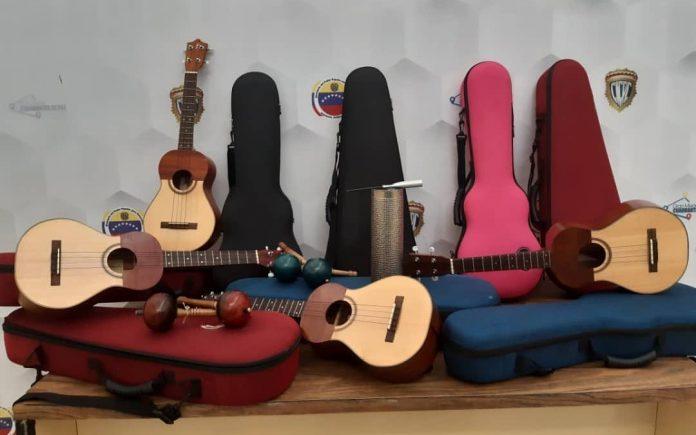 Pareja es detenida por hurtar instrumentos musicales en la escuela Aranda
