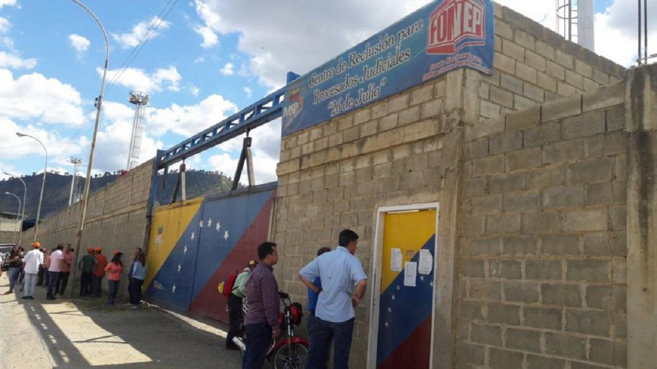 Trasladan a 206 presos en Guárico tras huelga de hambre y protestar contra abusos