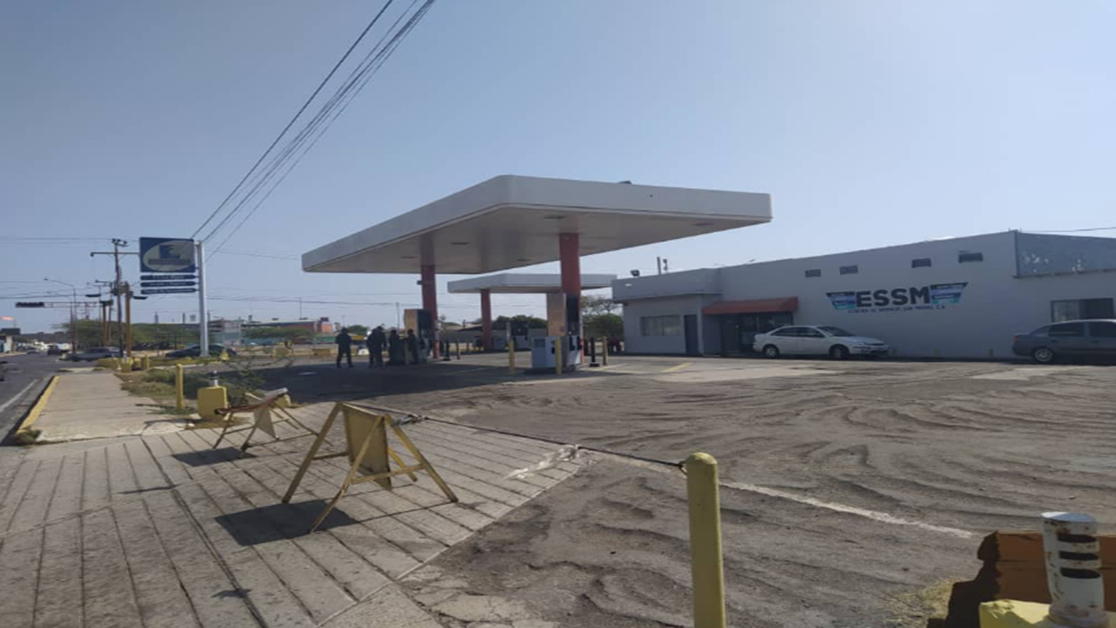 Cámara de Comercio de Caracas demanda a la administración pública a no desalojar las gasolineras privadas del país