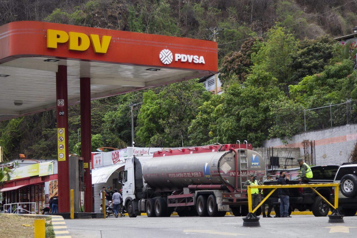 Toma de gasolineras revela desorden legal en contratos de PDVSA