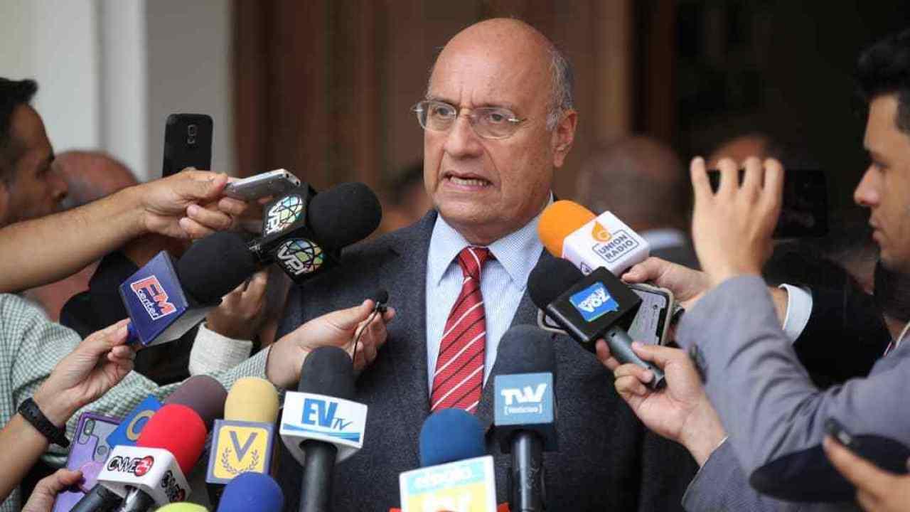 Williams Dávila: Entregaron el Esequibo simplemente por intereses foráneos y oscuros