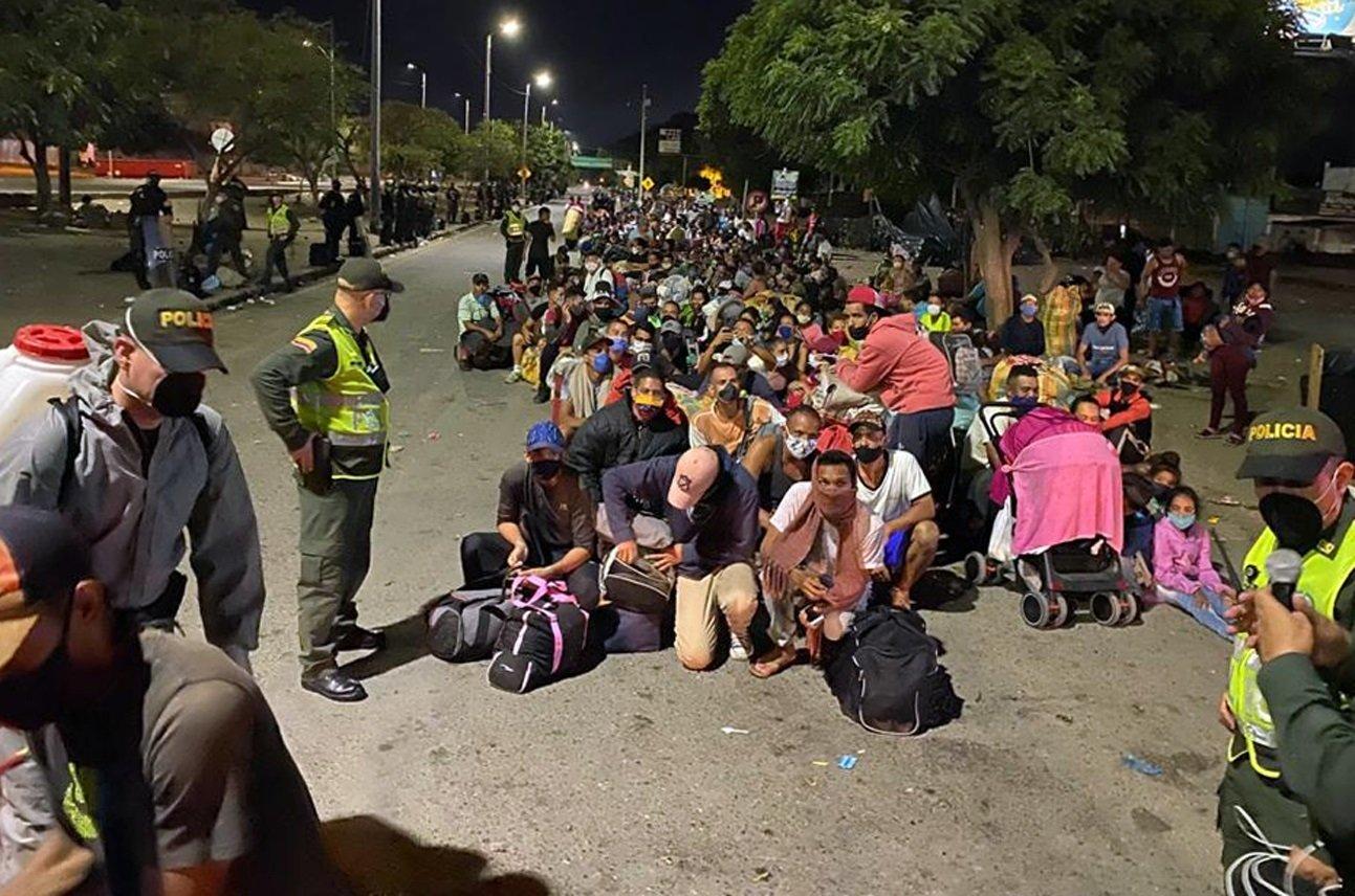 Cifra de venezolanos en Colombia desciende por segundo mes consecutivo
