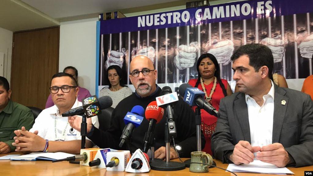 """Foro Penal afirma que hay """"omisiones graves"""" en últimos informes de Bachelet"""