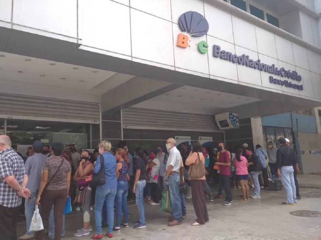 Fetrabanca alerta sobre posible colapso del sector financiero en el país