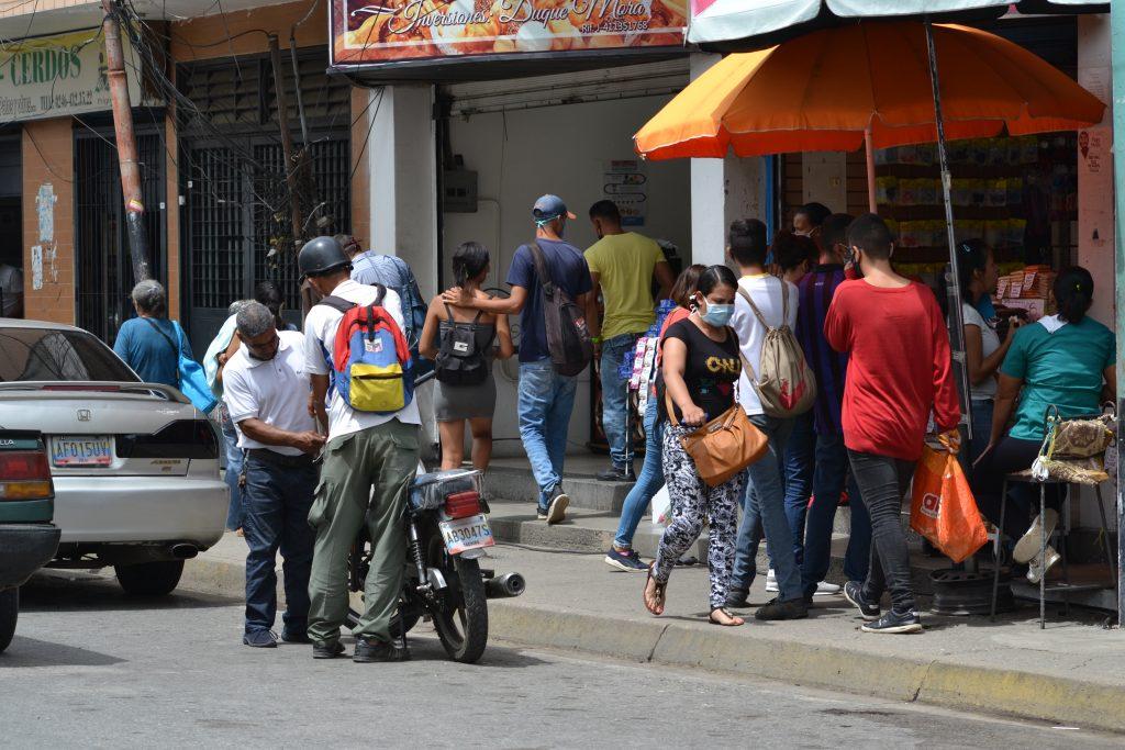 Un sueldo de 1,5 dólares mensual en Venezuela no alcanza para protegerse del coronavirus