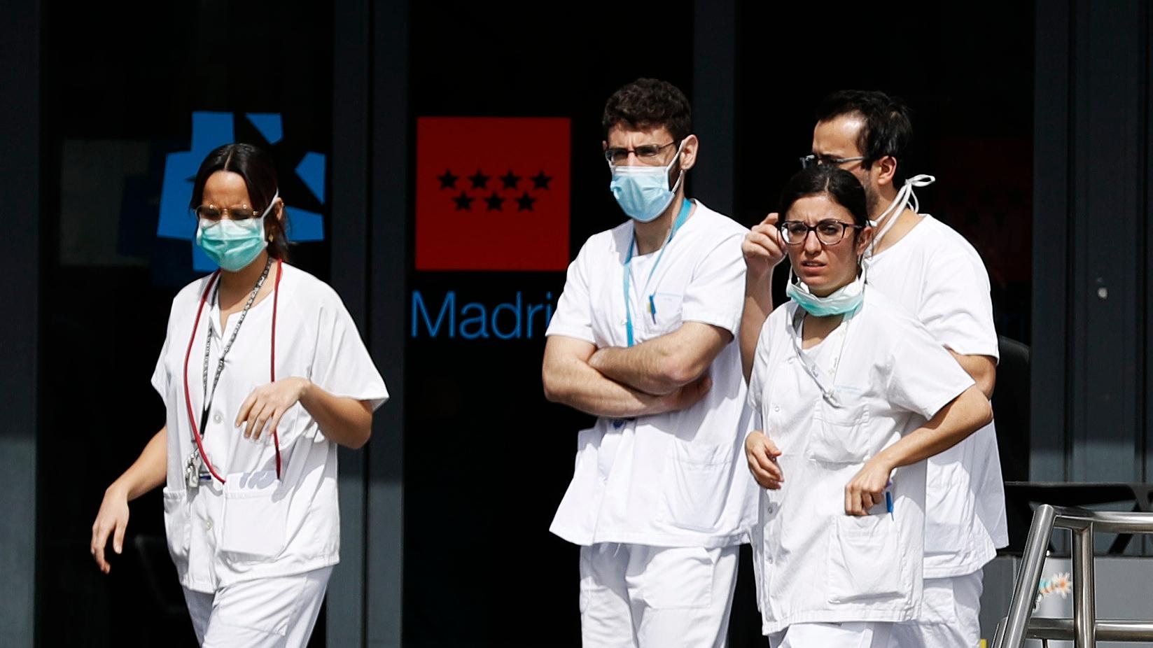 Perú autoriza contratar médicos extranjeros para combatir brote del coronavirus