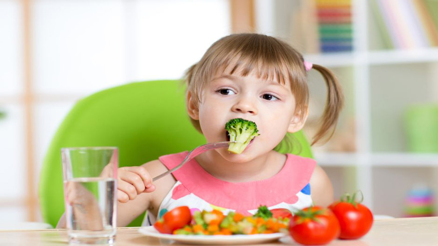 Consumo de alimentos con vitaminas A, E y D alivian males respiratorios
