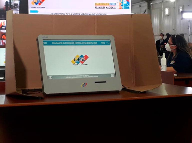 CNE presentó las nuevas máquinas de votación para el 6D