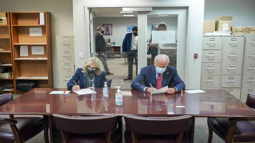 Biden votó por anticipado a seis días para las elecciones