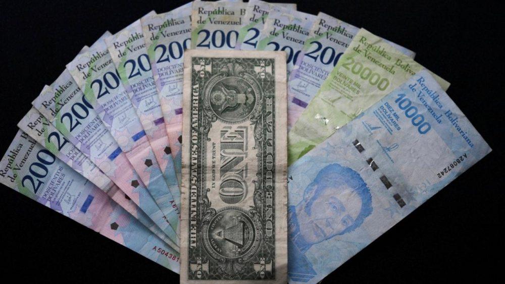 Dólares o bolívares igual de inalcanzables para los venezolanos
