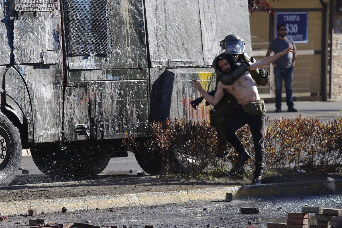 AI pide investigar a altos mandos policiales de Chile por violaciones a DDHH
