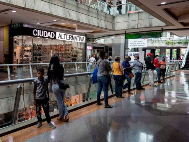 Centros comerciales adelantan 'Black Friday' para aprovechar semana de flexibilización