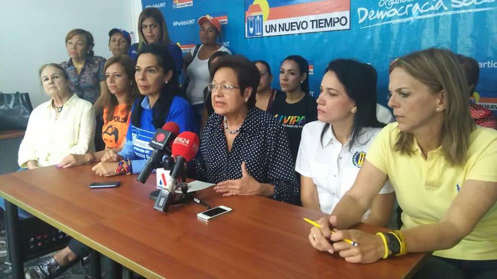 Frente Amplio de Mujeres repudia acciones xenofóbicas hacia venezolanos en Trinidad y Tobago