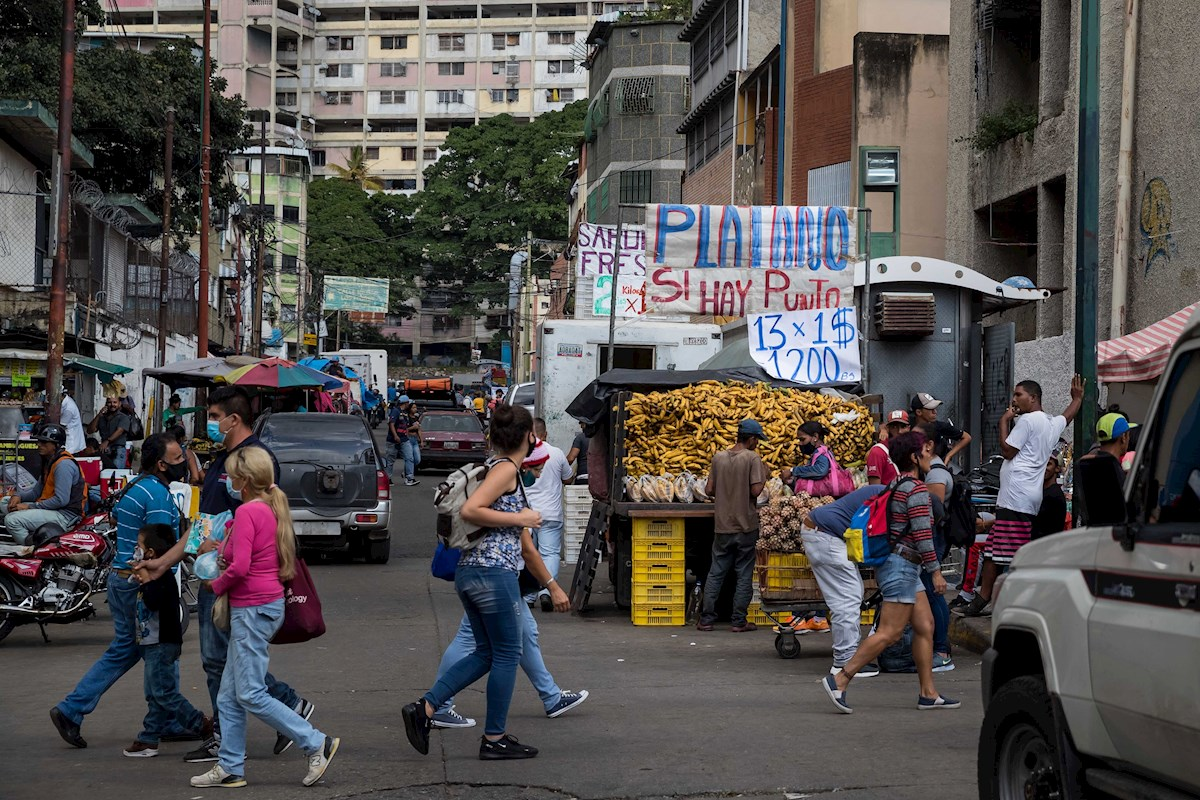 Entre malos augurios y esperanza: la economía venezolana frente al 2021