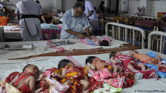 Mueren 10 bebés por incendio en hospital de India