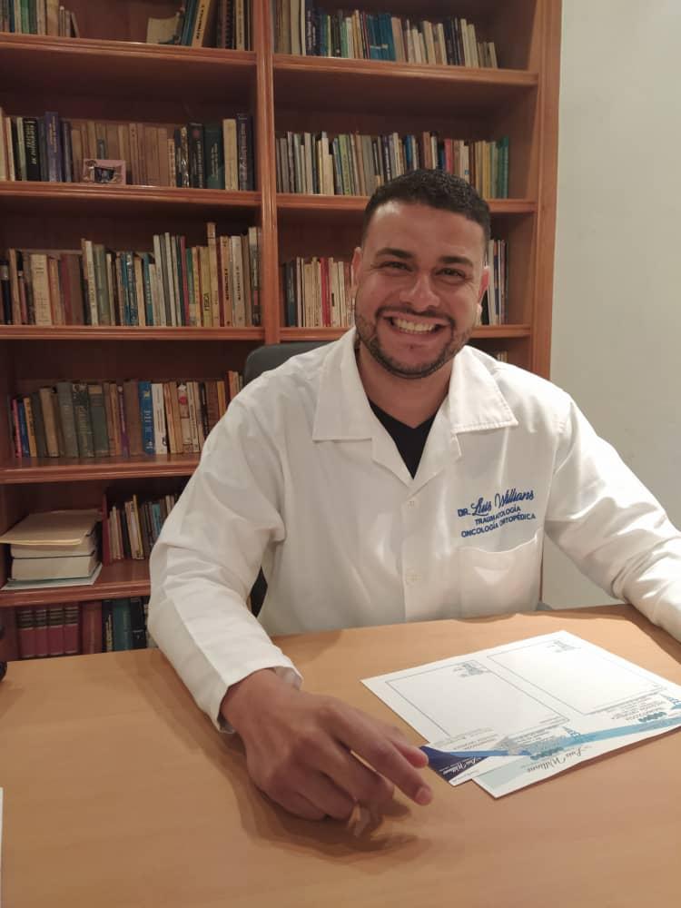 El doctor Luis Willians explica cómo es el manejo de pacientes con tumores óseos en tiempos de covid-19