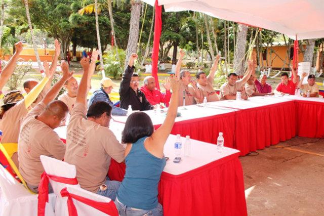 Nicolás Maduro propone la creación de un órgano legislador complementario a la misma AN