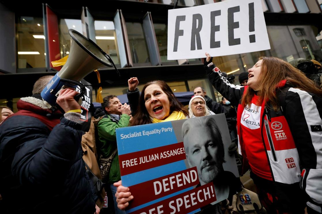 México ofrecerá asilo político a Assange, López Obrador celebra rechazo a extradición