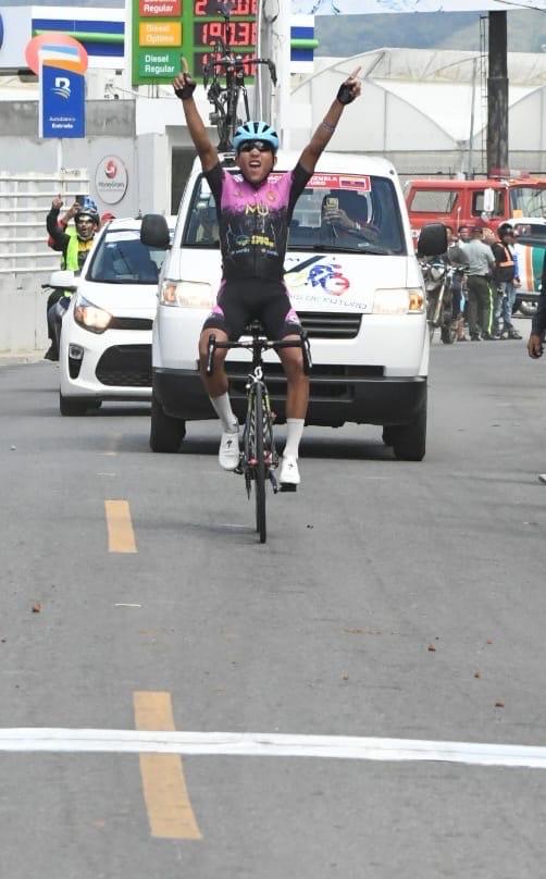 Pedalista Yurgen Ramírez ganó el título de la Vuelta Independencia