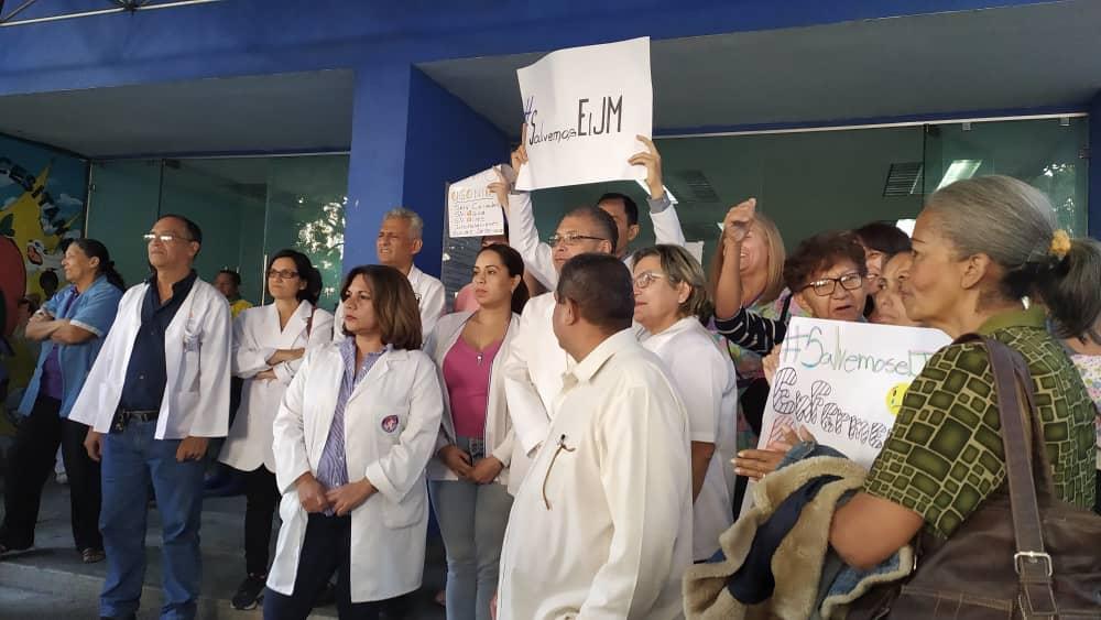 Trabajadores de la salud se declaran en conflicto nacional por bajos salarios