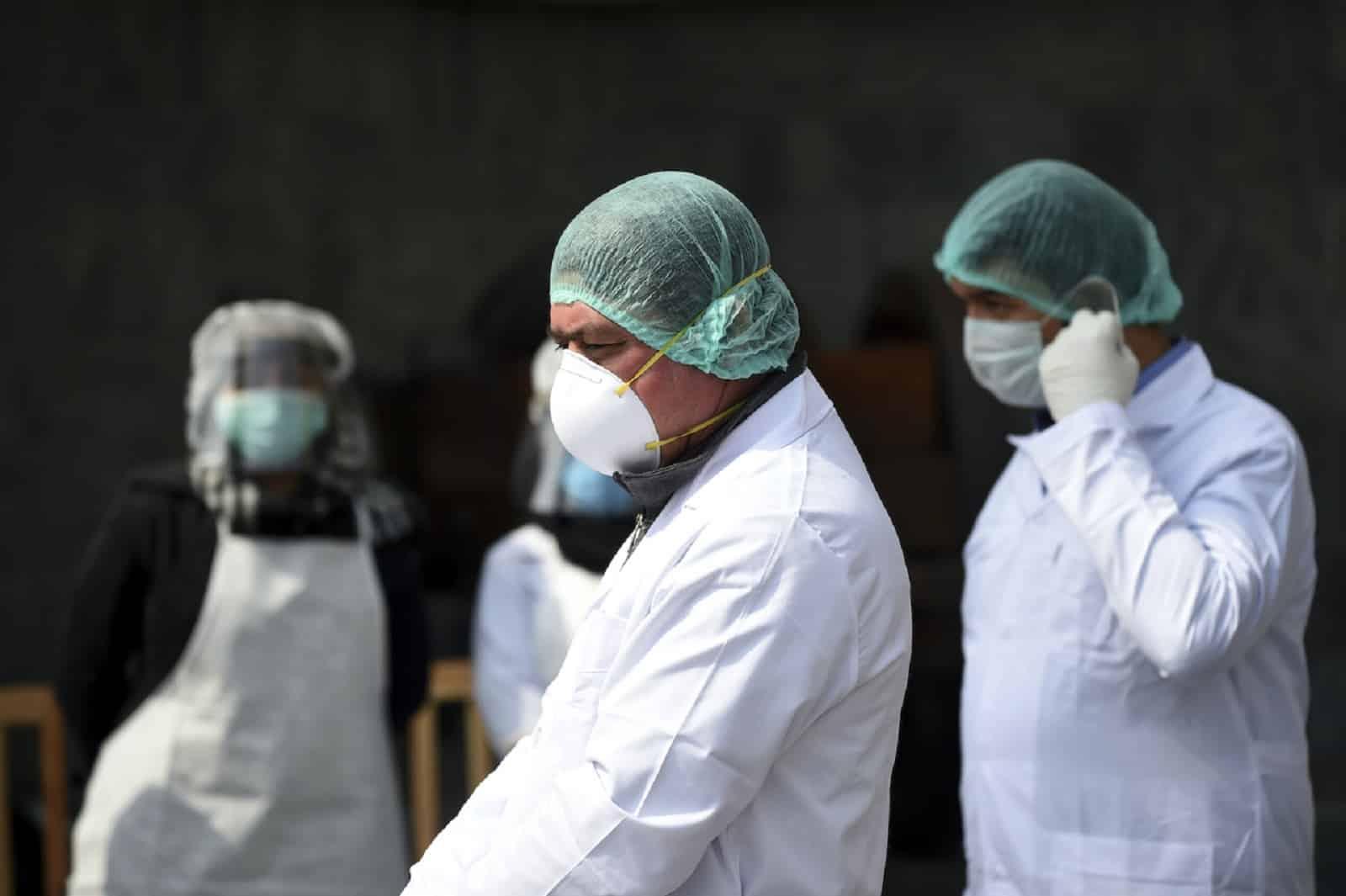 Denuncian que han fallecido 14 médicos por Covid-19 en dos días en Venezuela