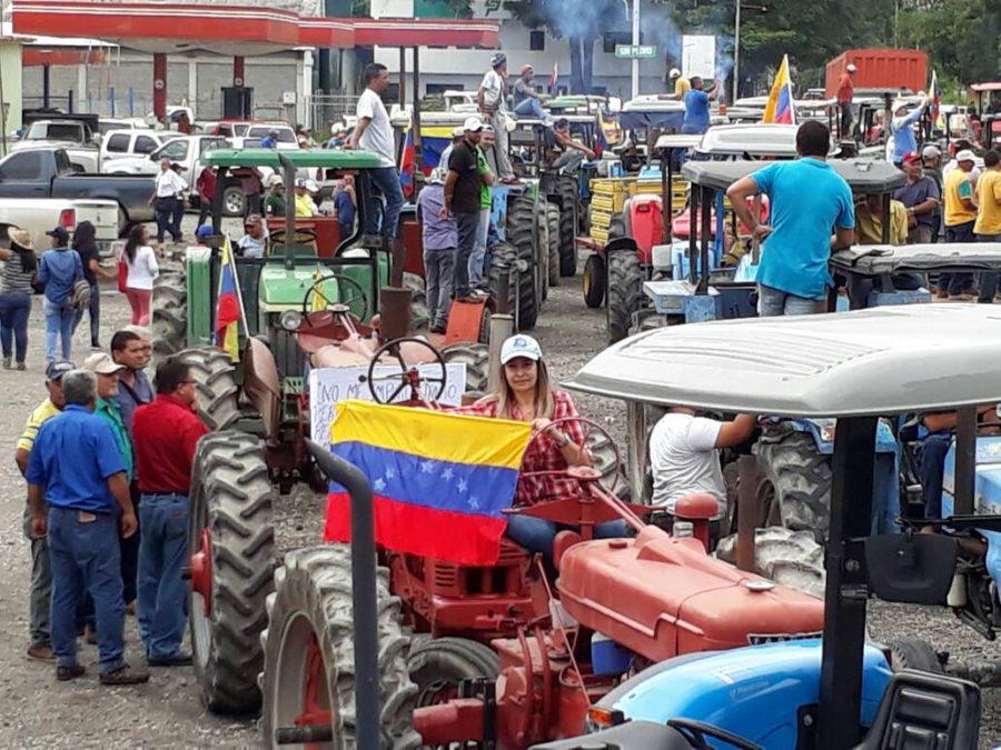 Paralizados más de 25 mil tractores por falta de diésel