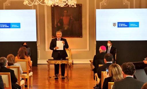 Gobierno de Colombia firmó estatuto de protección para venezolanos
