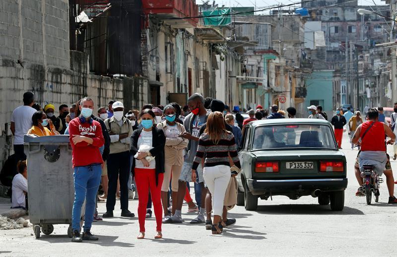 Según un estudio al menos cinco variantes del nuevo coronavirus circulan en Cuba