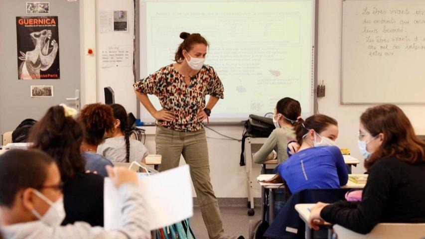 Francia levanta las limitaciones de aforo en los cursos de secundaria
