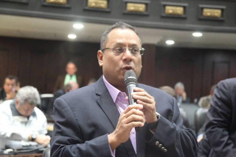 Diputado Ronderos: Sectores democráticos estamos obligados a buscar candidaturas unitarias para poder derrotar al oficialismo