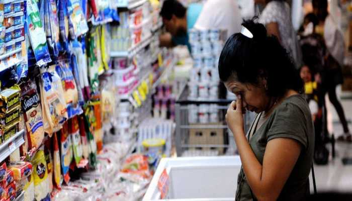 Se requieren casi ocho salarios del nuevo para adquirir ocho alimentos básicos