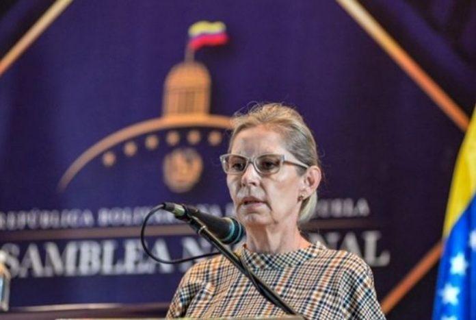 """Diputada Lozano: """"En vez de realizar otro parapeto electoral, deberían habilitar escuelas para un plan masivo de vacunación"""