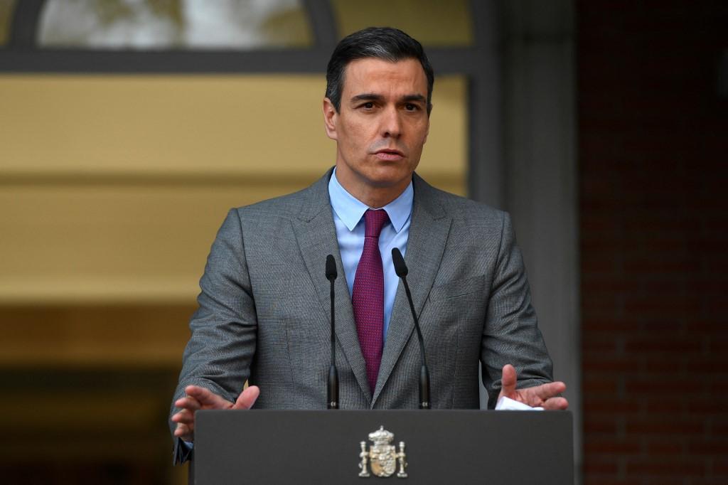 Gobierno español indulta a líderes independentistas catalanes presos