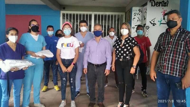 Entregaron trajes de Bioseguridad al área de Odontología de la Unerg