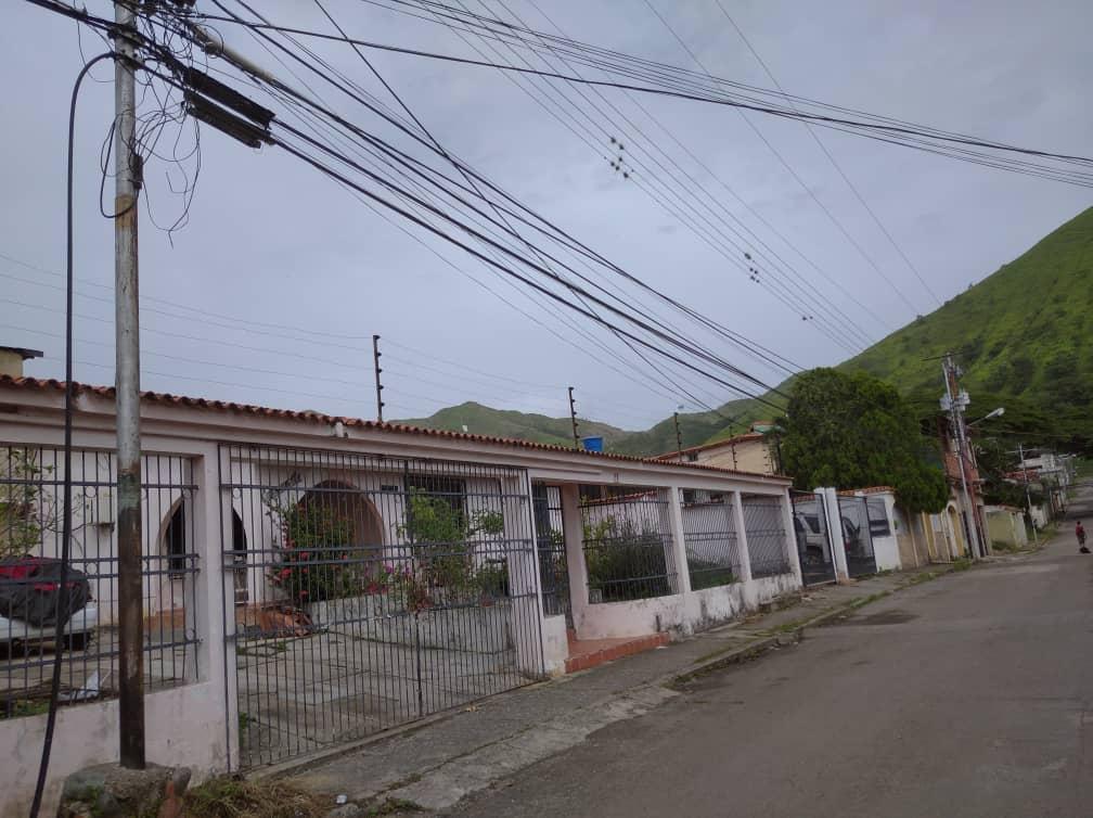 Vecinos de comunidades Valle Verde, Laureles, Lagunita y Santa Inés sin servicio telefónico e internet por corte de cables de Cantv