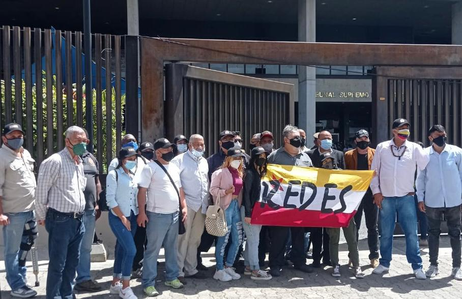 El movimiento REDES consigna documento ante el TSJ solicitando un recurso de amparo