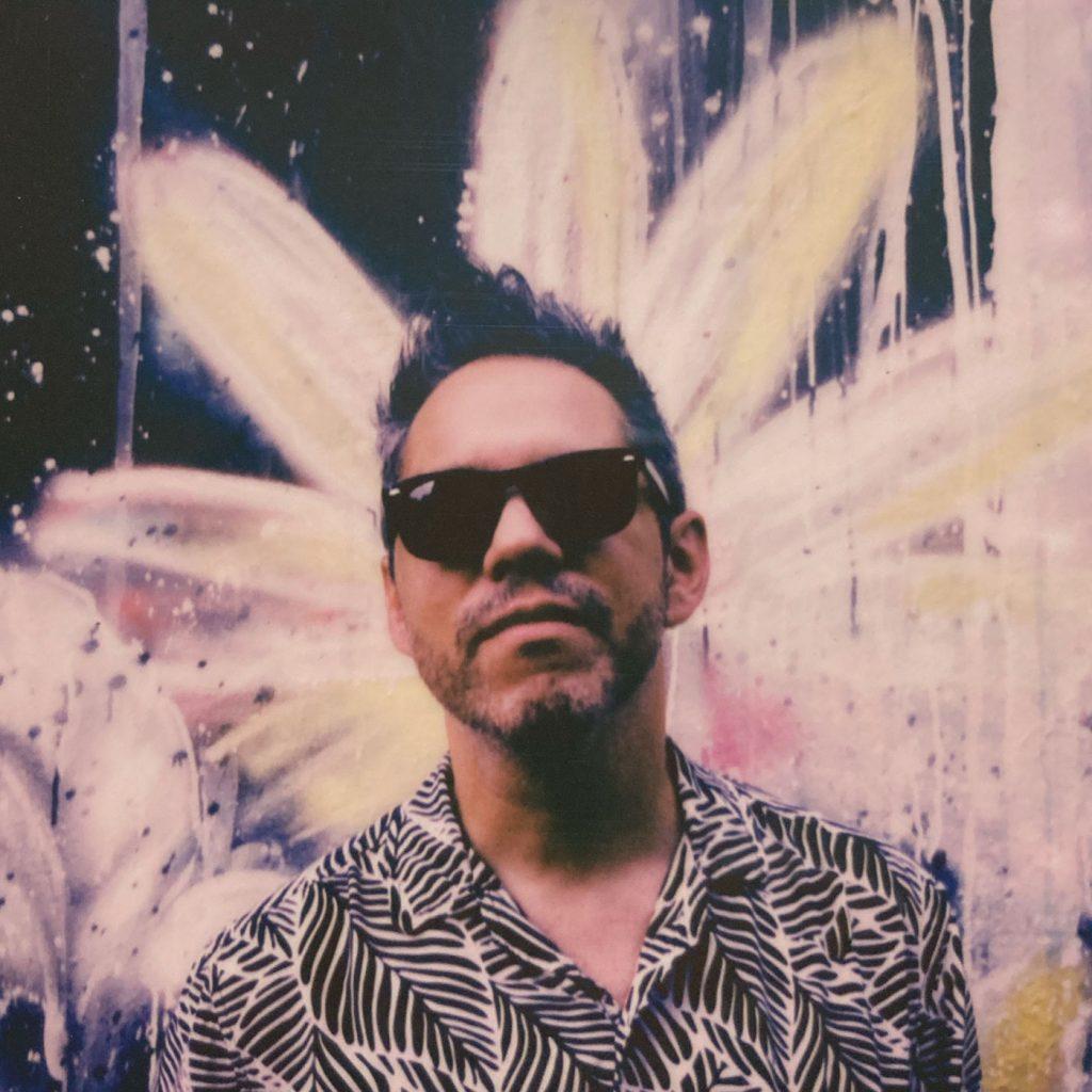 """""""En la Tierra"""" es el nuevo single de Luis Irán"""