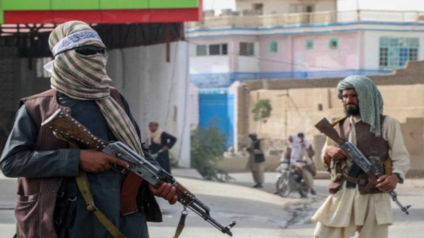 Talibanes culpan a EEUU de las muertes civiles en el aeropuerto de Kabul