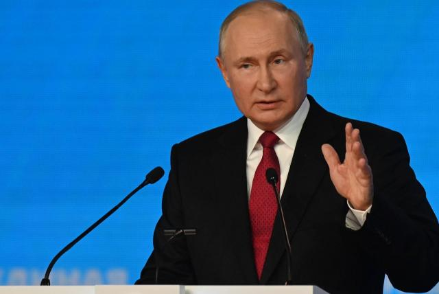 Putin obligado a guardar cuarentena por contagios de covid en entorno