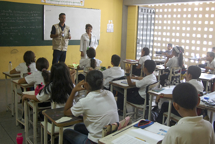 Fetrasined: Arriesgado comenzar el año escolar con problemas sin resolver