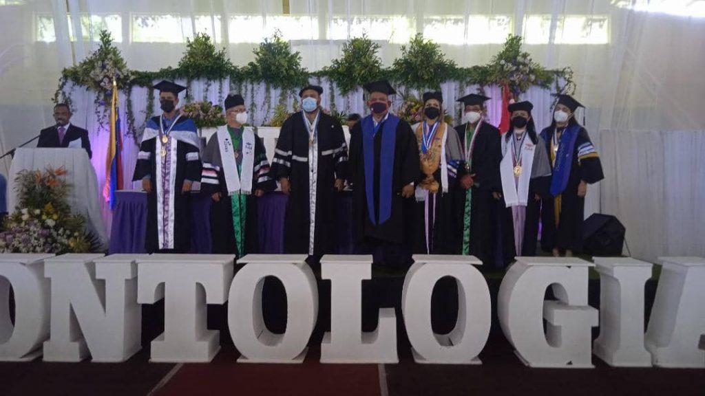 Unerg confirió títulos a 469 nuevos profesionales de Odontología
