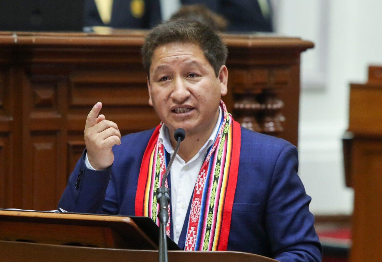 Primer ministro de Perú amenazó con nacionalizar importante yacimiento de gas