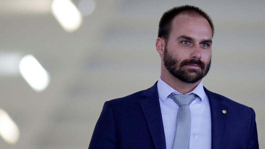 Hijo de Bolsonaro prende la alerta mundial tras dar positivo al covid-19