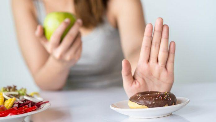 Estos son los alimentos que deberían evitar los treintañeros